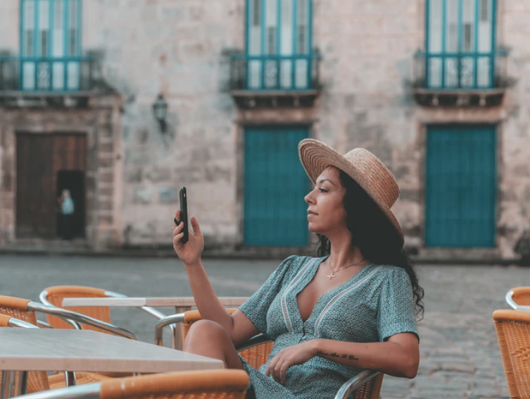 woman in Havana using 3G in Cuba